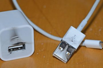 apple-iphone-charger-burn