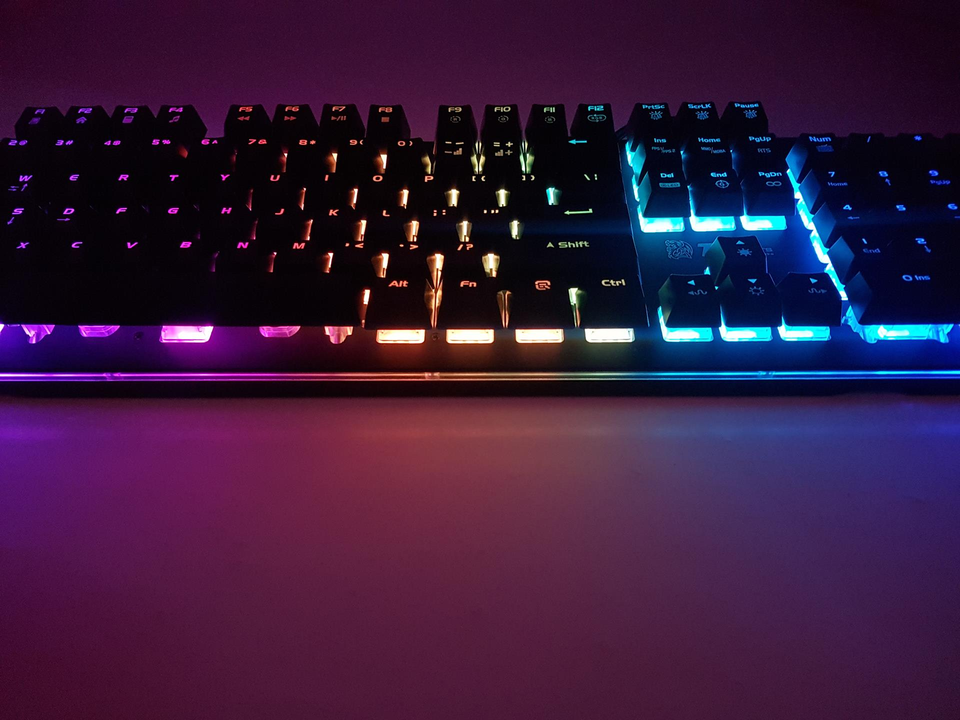 how to turn lights ooff keyboard ttesports